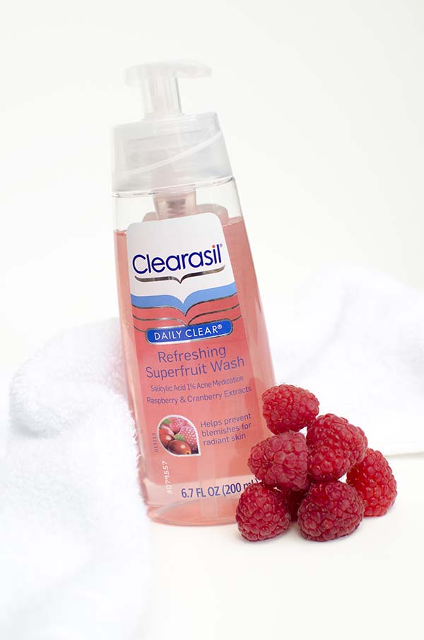 NEW! Clearasil Daily Clear Refreshing Superfruit Cleansers #SuperFruits #pmedia #ad