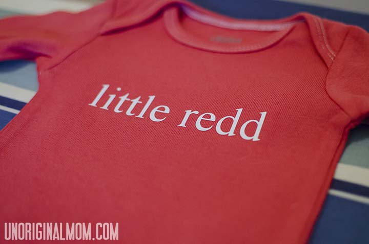 Easy DIY personalized onesie using heat transfer vinyl  |  unOriginalMom.com
