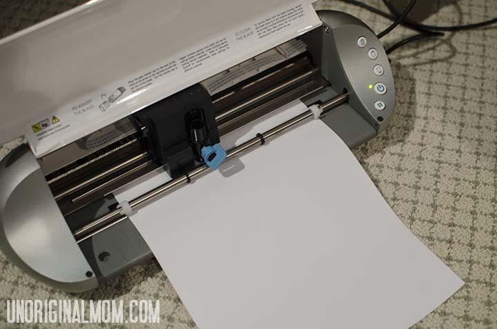 Easy DIY personalized onesie using heat transfer vinyl  |  unOriginalMom.com