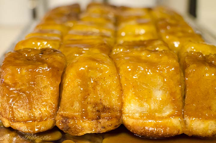 Upside Down Sticky Buns - prep them the night before, let rise overnight, and bake in the morning for an easy and delicious treat! | unOriginalMom.com