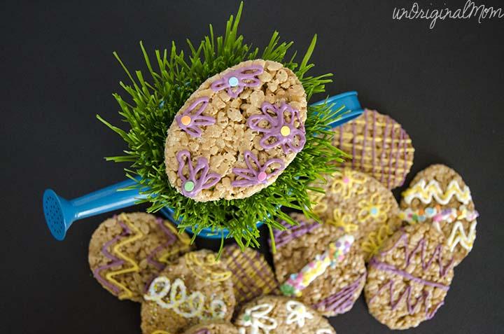 Milky Way Simply Caramel BITES Rice Krispie Treats - fun for an Easter treat! #EatMoreBites #CBias #Shop