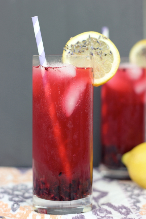 15 Summer Mocktails - Blackberry Lavender Lemonade