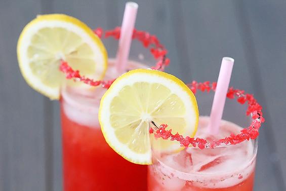 15 Summer Mocktails - Sparkling Strawberry Lemonade