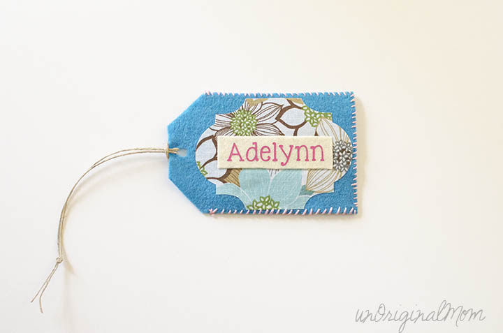 Felt Luggage Tag with a clear plastic sleeve - perfect for labeling a backpack, lunch box, or diaper bag!
