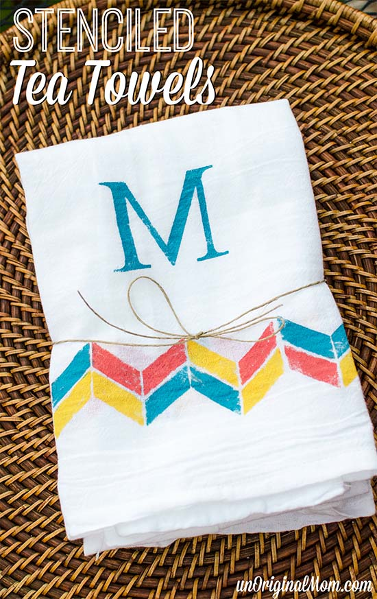 Easy monogrammed tea towels using freezer paper stenciling.  Great ideas for housewarming, bridal shower, or hostess gifts!