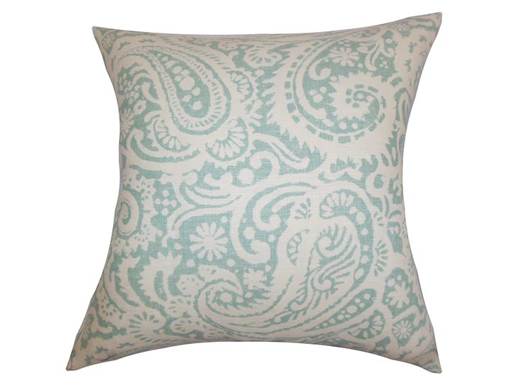 The-Pillow-Collection-Nellary-Paisley-Pillow