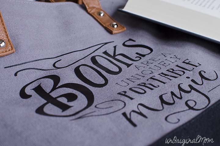 "A perfect gift for a book lover...""Books are a uniquely portable magic"" quote on a canvas tote bag. Free cut file and printable!"