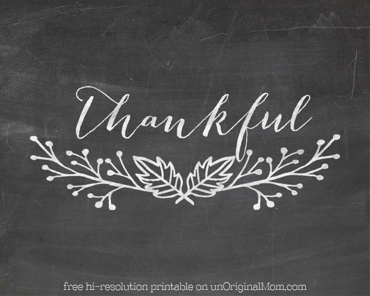 "Free ""Thankful"" chalkboard printable - plus instructions on how to hand letter your own chalkboard art by tracing printed designs!"