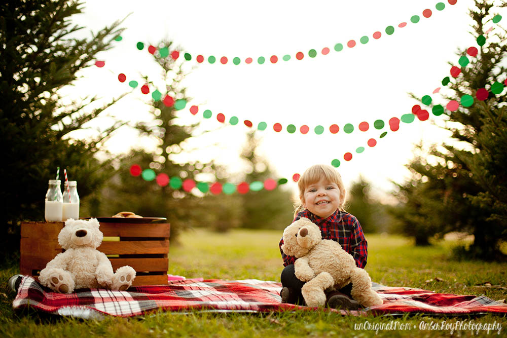 family christmas photos simply styled at a tree farm perfect for a christmas card