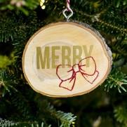 DIY Vinyl Wood Slice Ornaments
