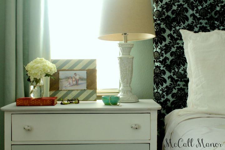 How to style a bedside table - great, practical ideas for simple styling!