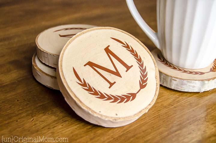 diy-painted-wood-slice-coasters-04