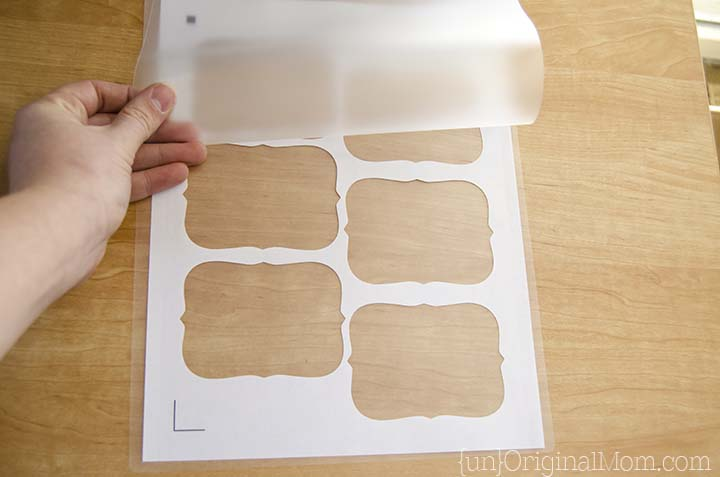 Step-by-step tutorial to create and cut out laminated labels with your Silhouette Portrait or Cameo!