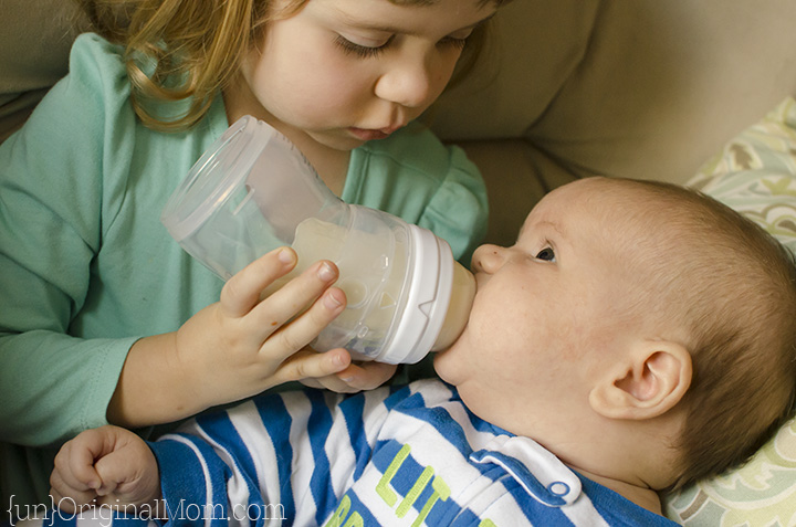 Really practical tips on bottle feeding for moms who are exclusively breastfeeding