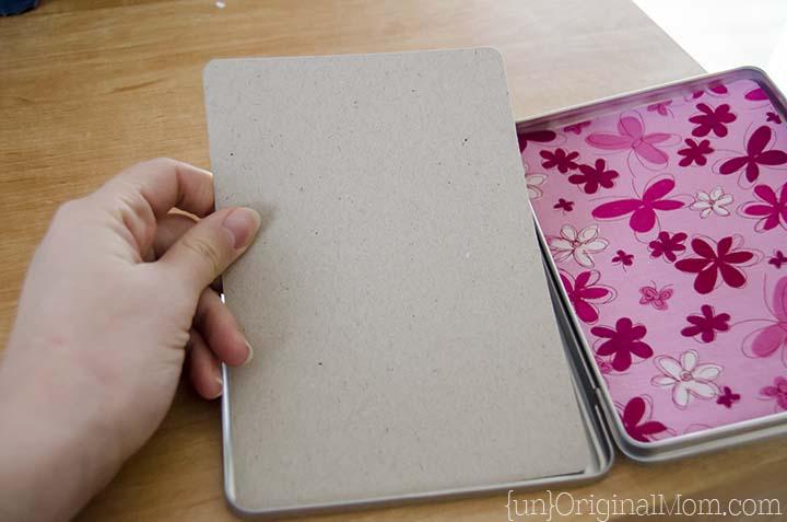 Upcycle a DVD case into a portable coloring kit - so fun!