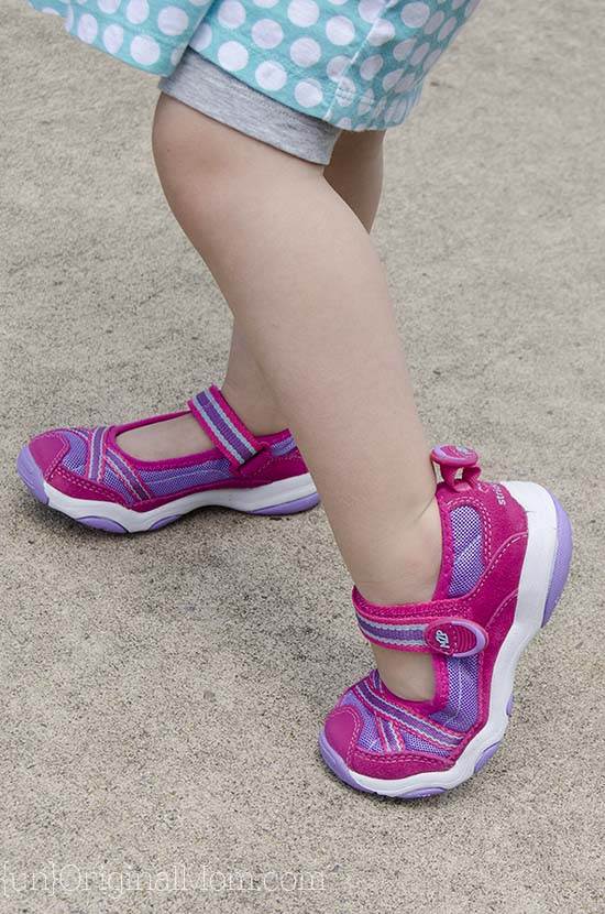 Stride Rite Made 2 Play Shoes - perfect for summertime with an active 3 year old!
