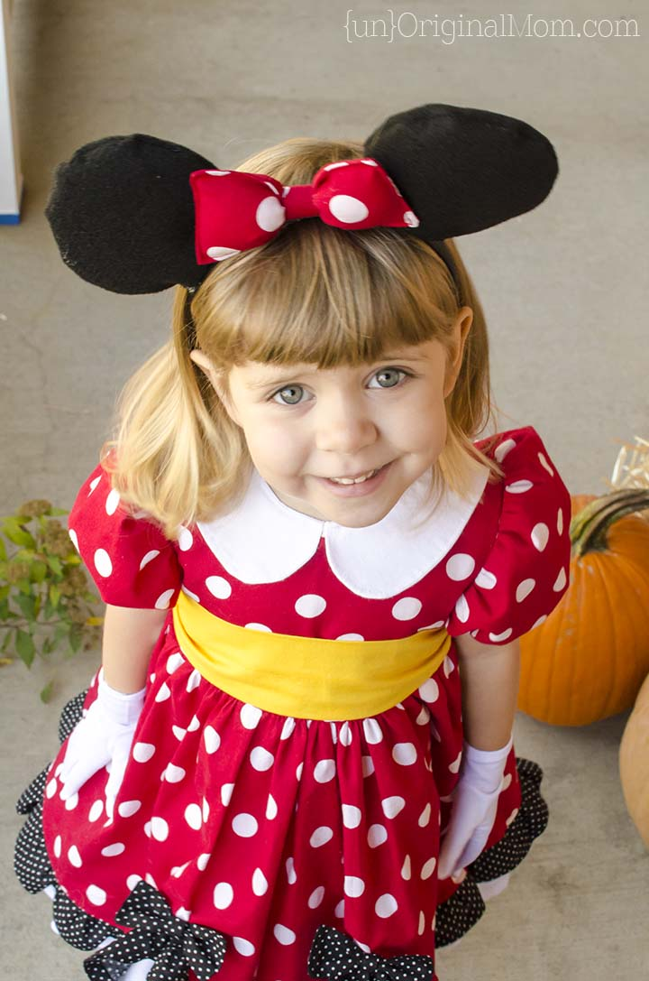 the perfect diy minnie mouse costume unoriginal mom. Black Bedroom Furniture Sets. Home Design Ideas