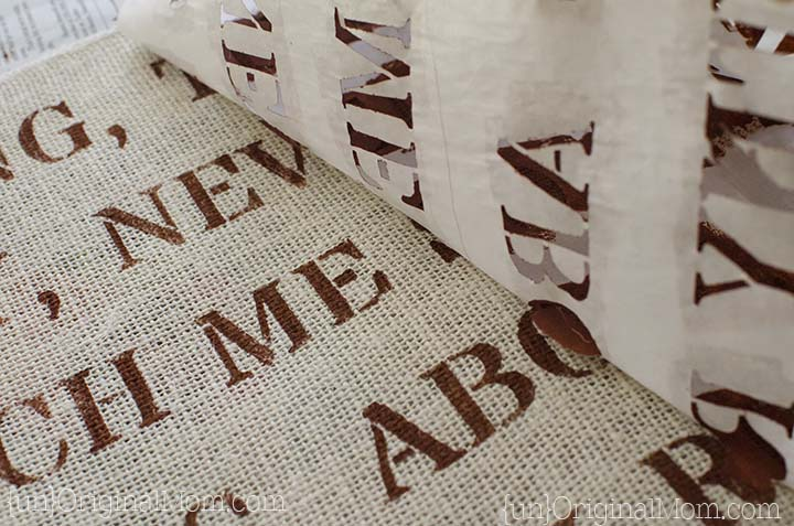 Freezer paper stenciled burlap with a hymn text - perfect for Thanksgiving!