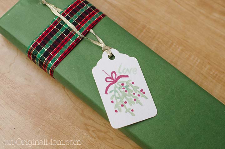 Beautiful watercolor gift tags - free printable PDF and Silhouette cut file!