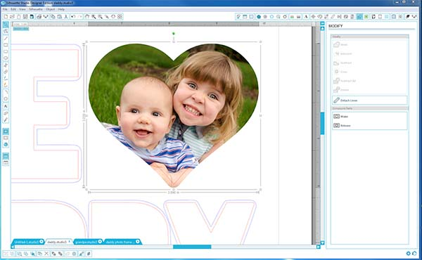 "Use Silhouette Studio to create a ""We <3 Daddy"" photo frame - complete step-by-step tutorial and cut file!"
