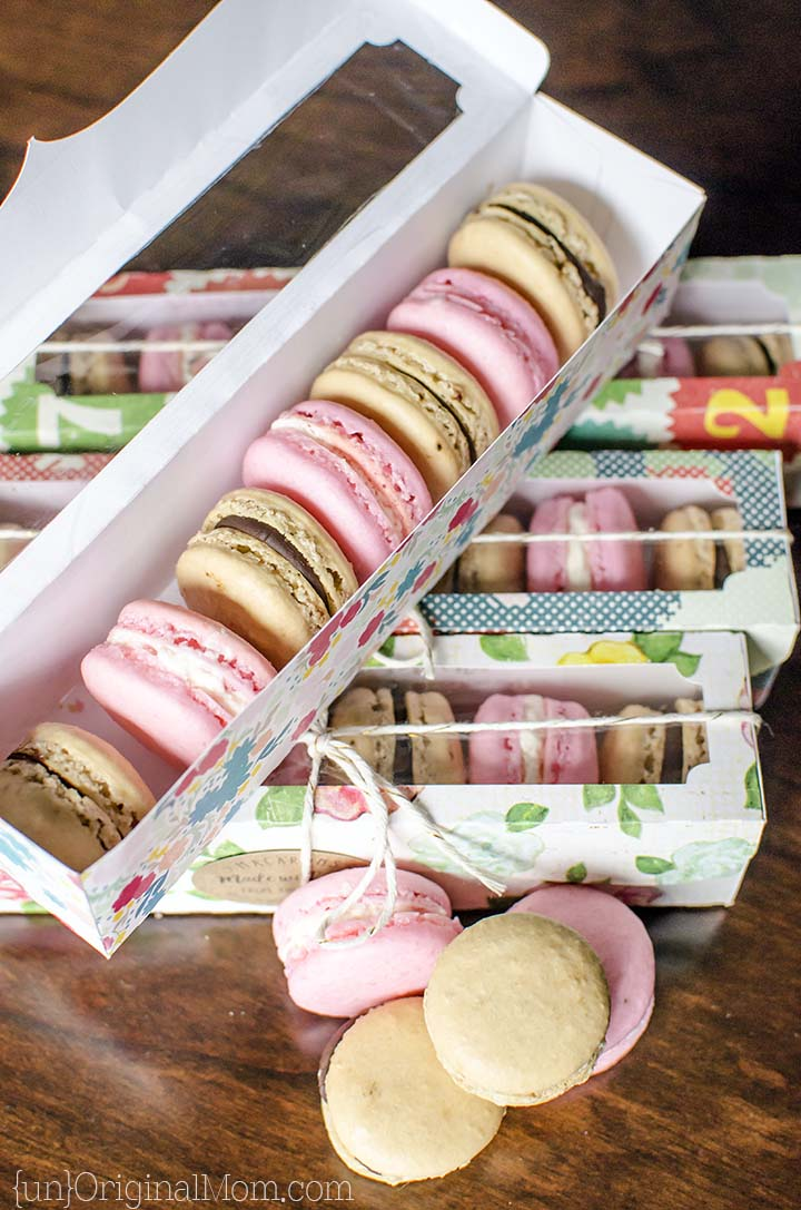 Use your Silhouette to make these adorable macaron boxes - free cut file included. What a great gift for teachers, neighbors, and friends!