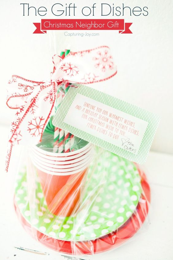 25 neighbor gift ideas with free printable tags for Great gifts for neighbors on the holiday