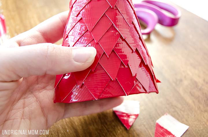 Make Christmas trees out of cereal boxes and duct tape! Super cheap Christmas decor, easy, and so pretty!