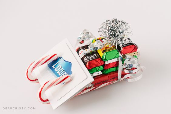10 unique ways to wrap gift cards! Add a handmade touch with these creative gift card wrapping ideas.