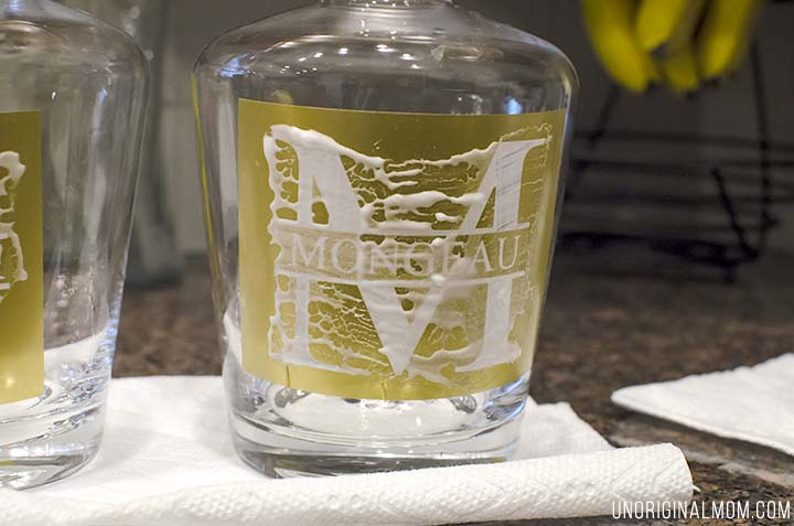 "What a great ""DIY gifts for men"" idea - DIY etched monogram decanters. Personalize a whiskey decanter using your Silhouette and etching cream!"