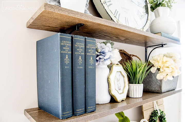 Beautiful spring home tour with lots of farmhouse style.   farmhouse spring home tour   farmhouse shelves   spring foyer   decorating for spring   spring decor