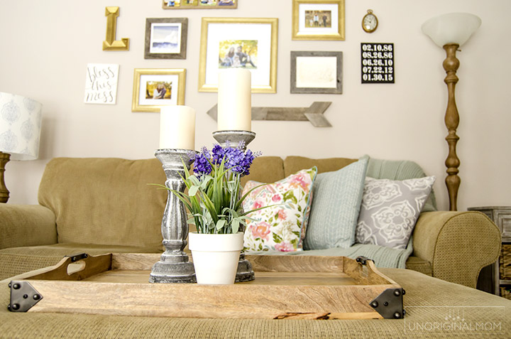 Beautiful spring home tour with lots of farmhouse style. | farmhouse spring home tour | farmhouse shelves | spring foyer | decorating for spring | spring decor