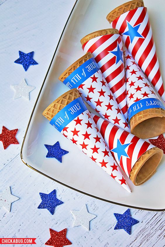A bunch of great FREE printables for your 4th of July Party! | patriotic printables | patriotic party decor | red white and blue printables | free printables | memorial day party printables | 4th of july | independence day