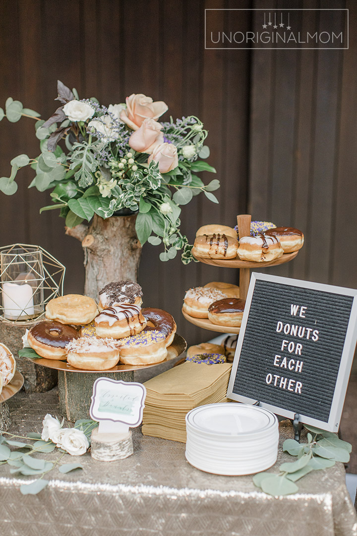 Don't want cake at your wedding? Everybody loves donuts! #donutbar #weddingcakealternatives