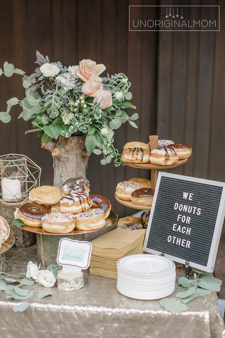 Don't want cake at your wedding? Everybody loves donuts! #donutbar #weddingcakealternatives
