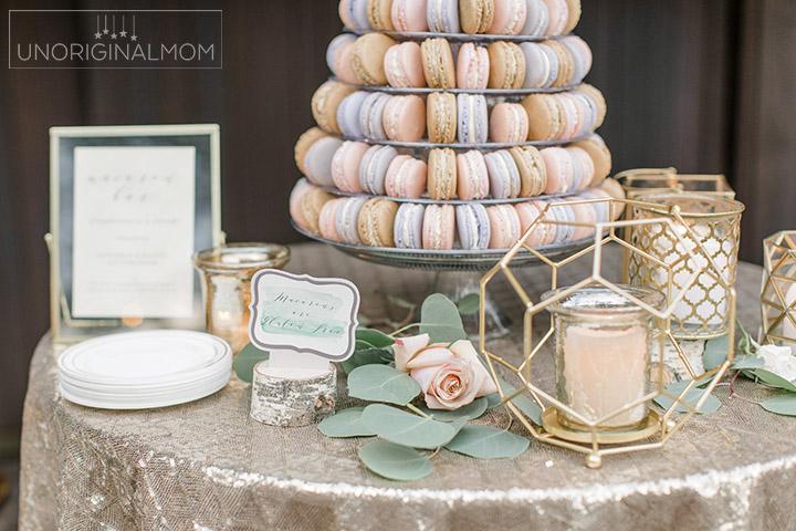 Macaron tower for a wedding - what a beautiful idea to replace a wedding cake! Stunning! #macarons #macarontower #weddingmacarons