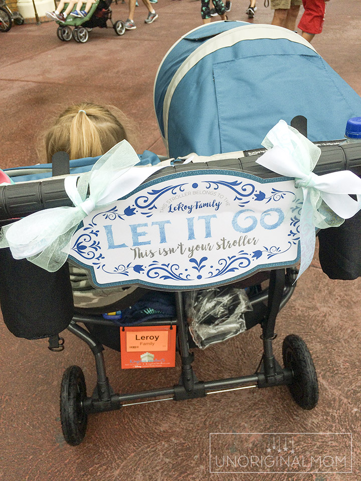 Free printable Frozen stroller sign to use at Disney, plus a review of Kingdom strollers. Great Disney stroller tips, too! #strollersign #disneystroller #freeprintable #disneystrollertips #disneywithtoddlers #kingdomstrollers