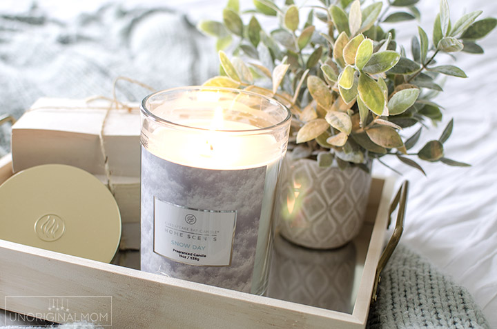 3 tips on how to decorate with candles this winter. I love how warm and cozy a candle can make a room feel! #chesapeakebay #decor #candles #winterdecor