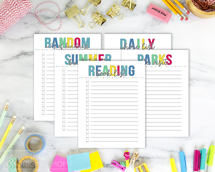 Get organized this summer with these printable summer planning checklists! #summerplanner #printablesummerchecklists