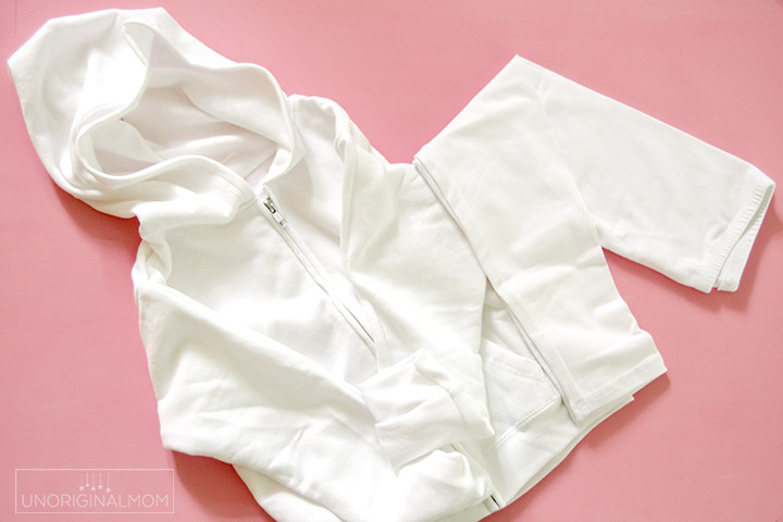 White hoodie and white leggings to make a DIY Unicorn costume!