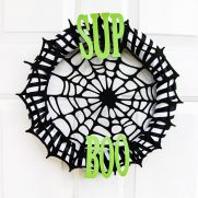 Quick and Easy Halloween Wreath Tutorial