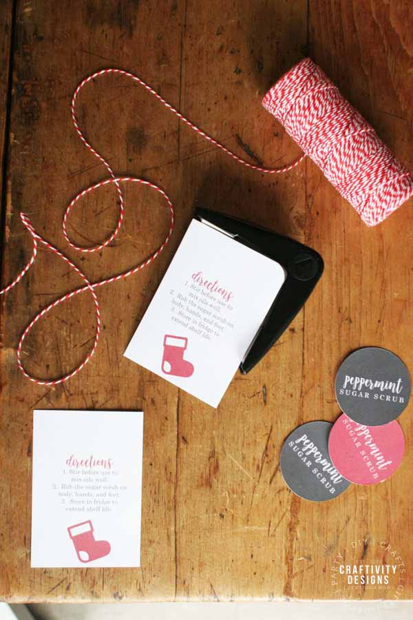 Free printable sugar scrub labels to make an easy last minute DIY gift!