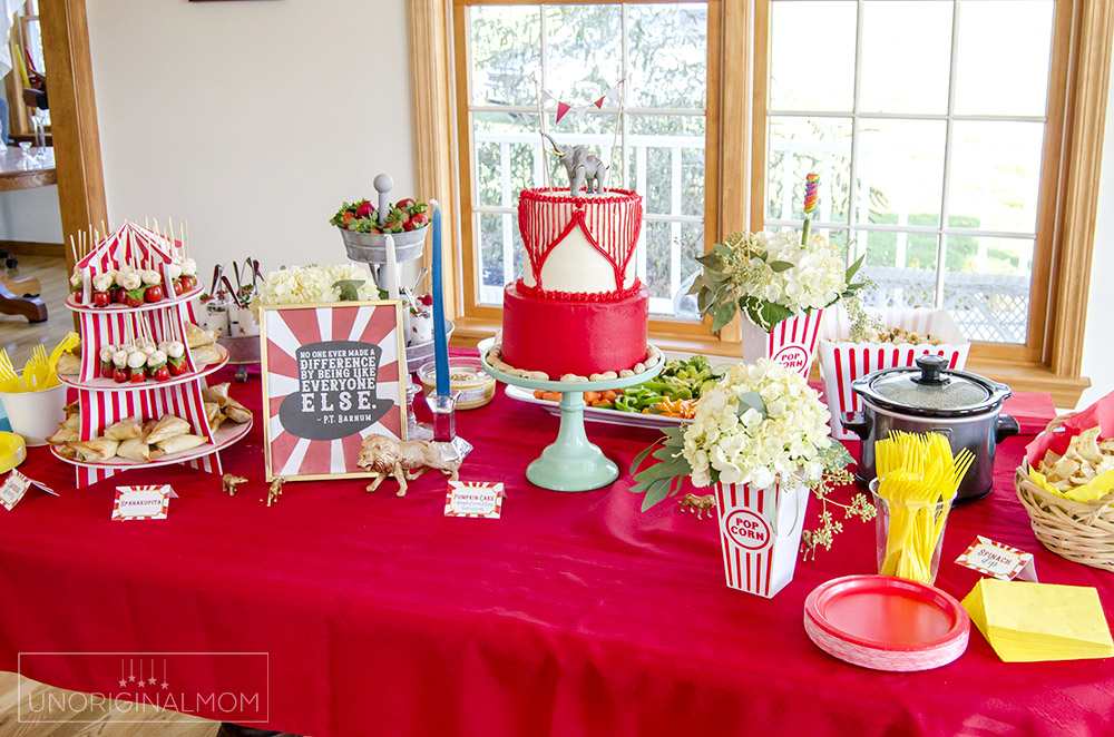Planning a Circus Baby Shower or a Circus themed party? Here are a bunch of fun DIY Circus elements!