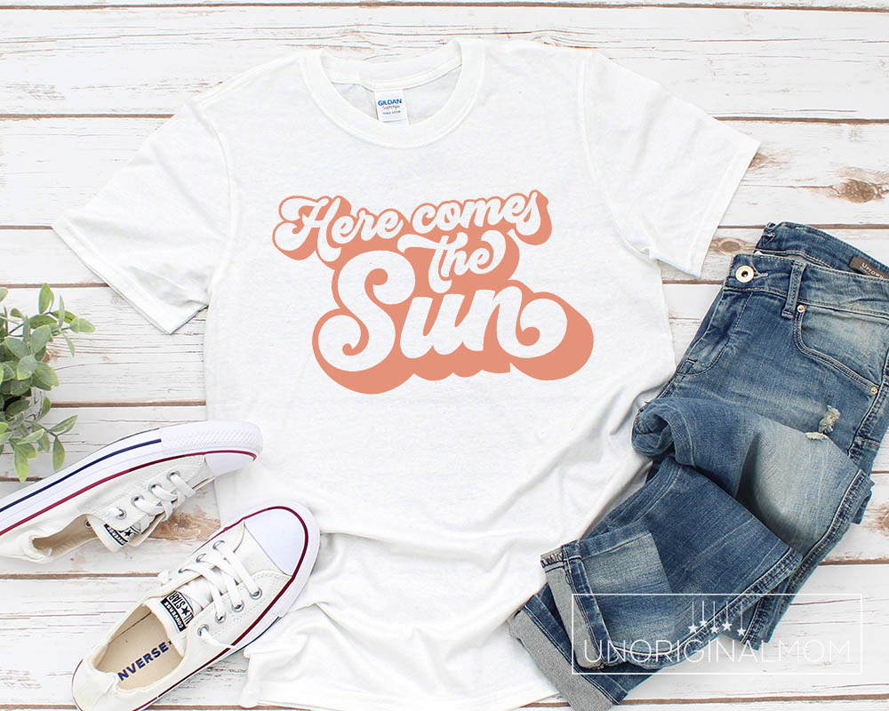 Free SVG - Here Comes the Sun retro typography, perfect for graphic tees or tote bags!
